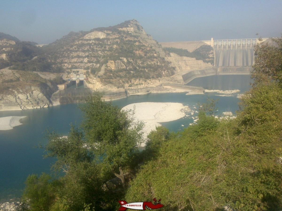 le barrage de Tarbella