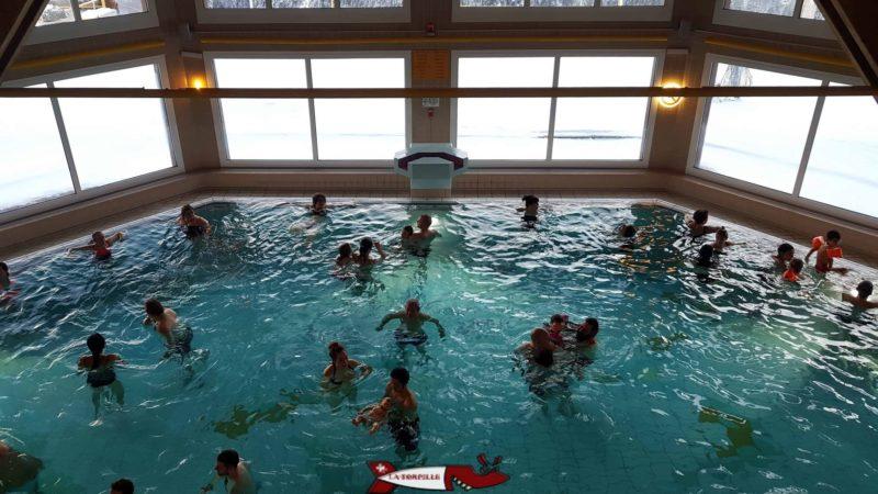le bassin intérieur des bains thermaux d'Ovronnaz