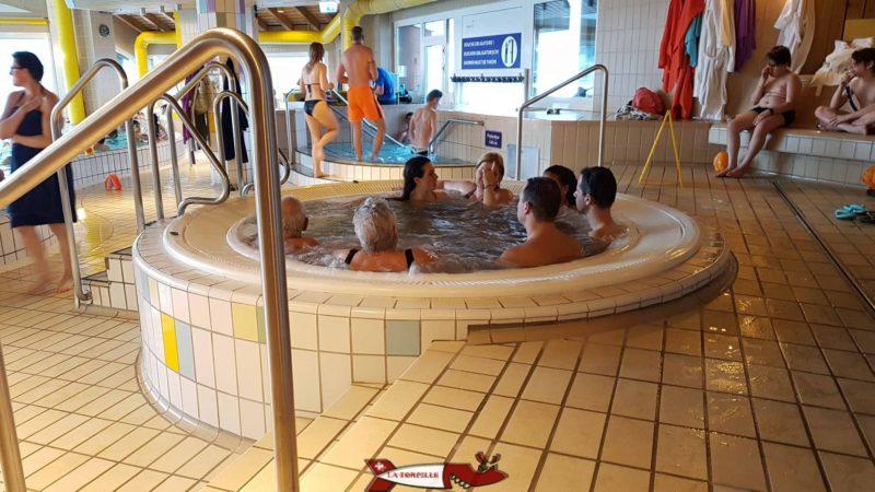 le jacuzzi des bains thermaux d'Ovronnaz