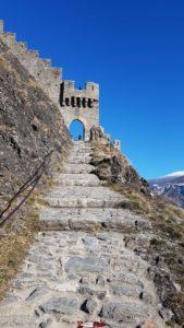 portail d'entrée du château de Tourbillon