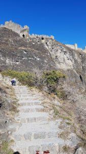 Escaliers menant au château de Tourbillon