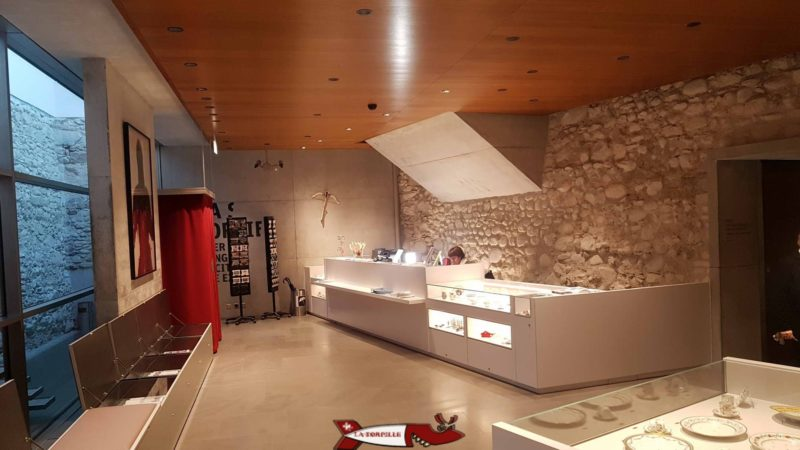 La réception du musée historique et des porcelaines de nyon
