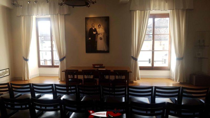 salle de mariage au musée historique et des porcelaines dans le château de nyon