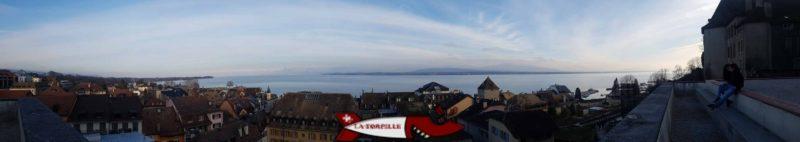 Vue panoramique depuis l'esplanade du château de Nyon