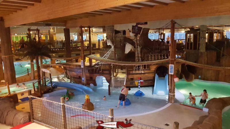 Le bateau pirate dans la zone captain kids