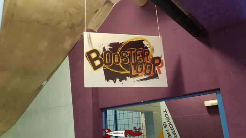 Le toboggan Booster loop à aquaparc villeneuve