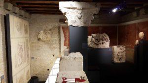 Sculptures en pierre au rez du musée romain d'avenches