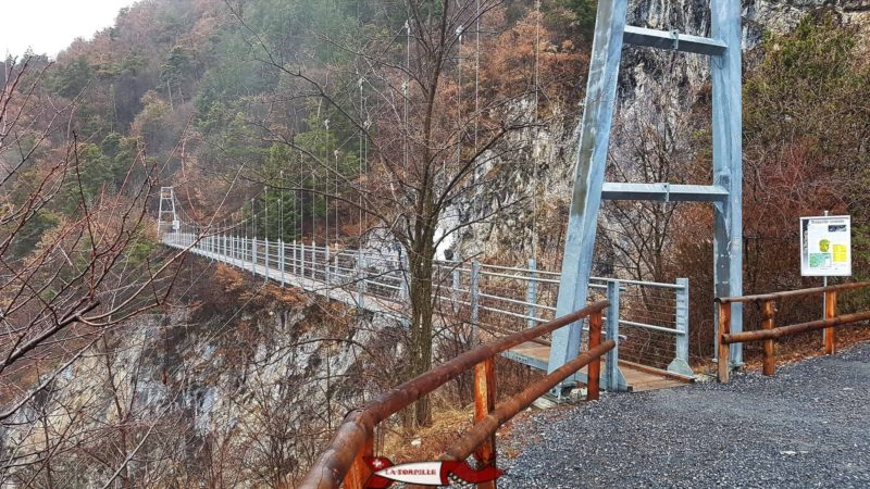 The Farinet footbridge from the Leytron side of the Salentze Gorges.
