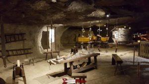 La Tranchées et puits de la tranchée. - mines de sel de Bex