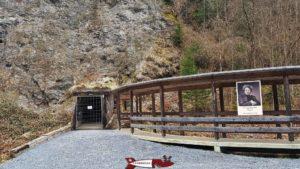 Entrée dans la mine par l'entrée visiteur. - mines de sel de Bex