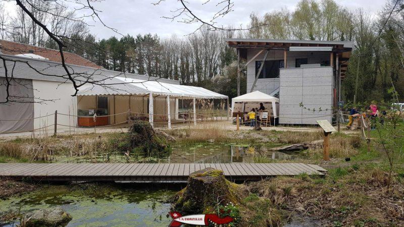 L'étang extérieur de la maison de la rivière