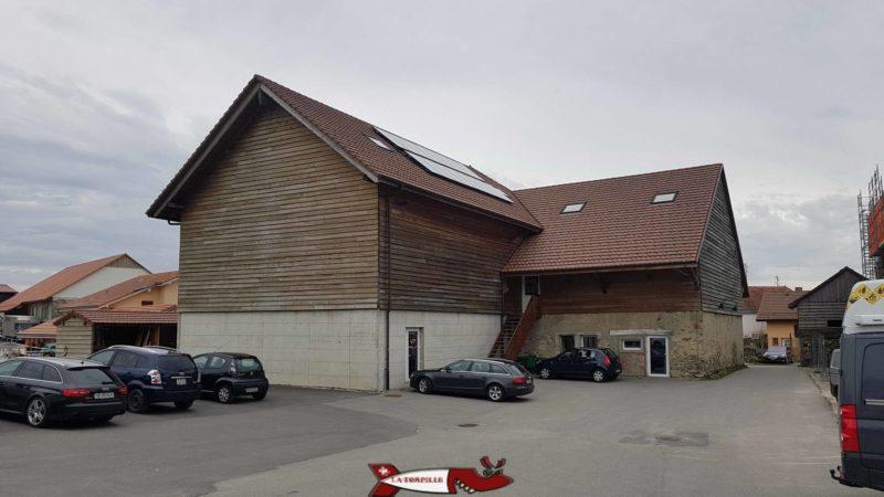 Le bâtiment hébergeant la salle de grimpe de gecko escalade