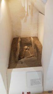 Une tombe ancienne au musée de montreux
