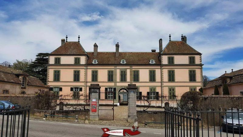 Le château de Coppet dans le lequel se trouve le musée cu château de Coppet