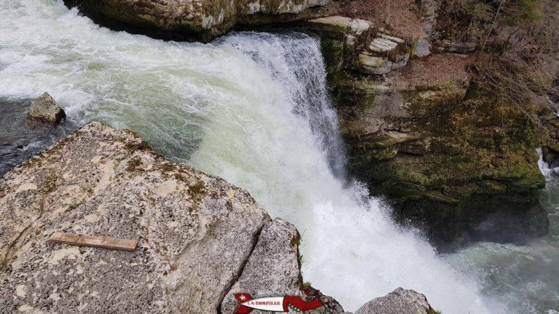 le saut du doubs depuis la Suisse