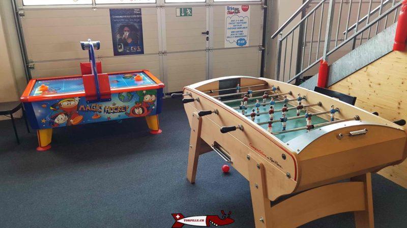 jeux de table au rez de la salle de jeux d'urba kids