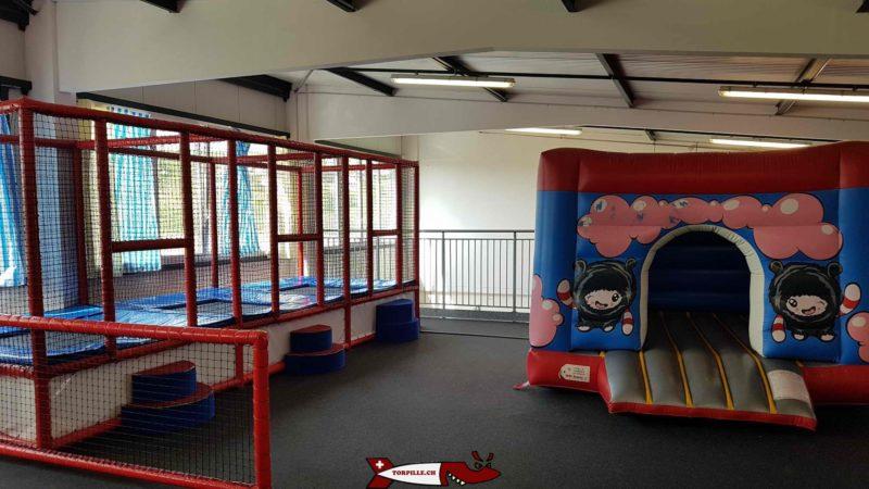 châteaux gonflables pour les enfants de 2 à 4 ans au premier étage d'urba kids
