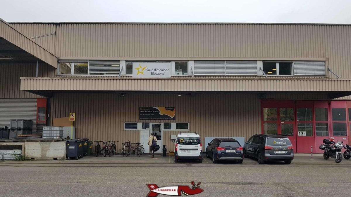 L'entrée de BlocZone dans la zone industrielle de Givisiez.