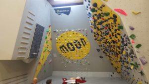 Des parois d'entraînement à la salle de grimpe de Bloczone