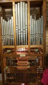 un orgue artisanal au musée suisse de l'orgue