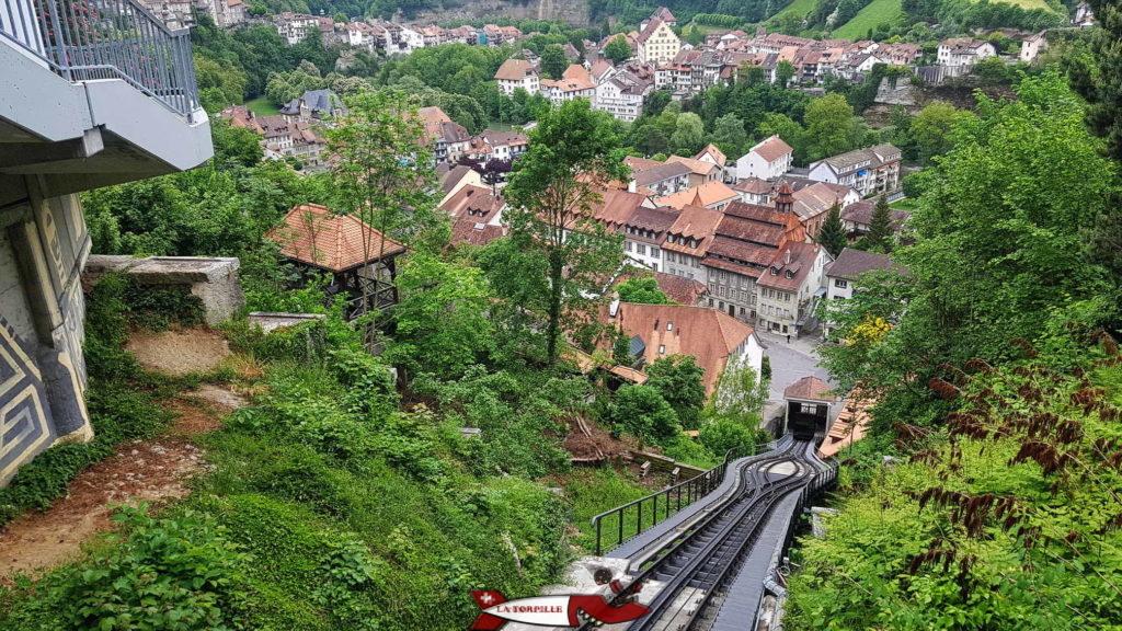 la vue sur la basse ville depuis la station supérieur du funiculaire de Fribourg