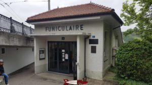 la gare d'arrivée du funiculaire de Fribourg