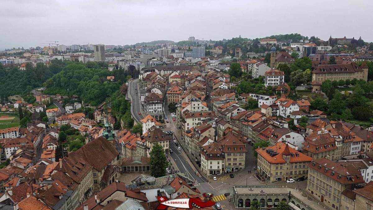 La vieille ville de Fribourg depuis le sommet de la cathédrale.