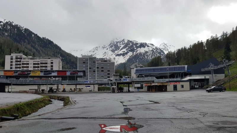 La station de ski de Super-Neudaz sur la route du barrage de Cleuson.