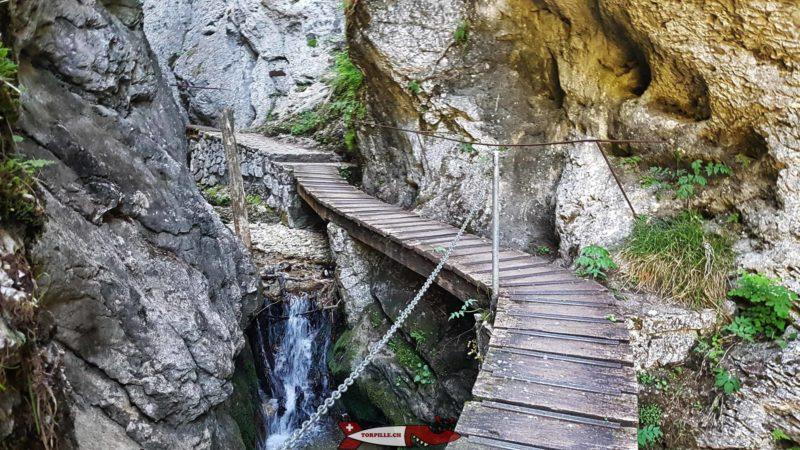 Les gorges de la Poeta-Raisse font partie des plus belles gorges de Suisse Romande
