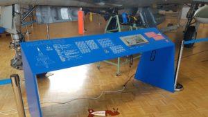 table d'information au Musée de l'Aviation Militaire de Payerne Clin D'Ailes