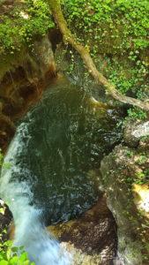 La cascade du Veron sous le pont près de la Tine de Conflens