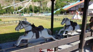 Cherokee Circuit de chevaux sur rail  happyland
