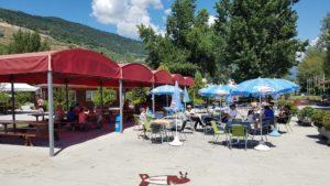la terrasse du parc d'attractions de Happyland