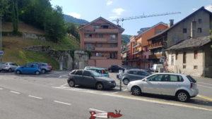 Le Parking menant aux gorges et passerelle de la Vièze