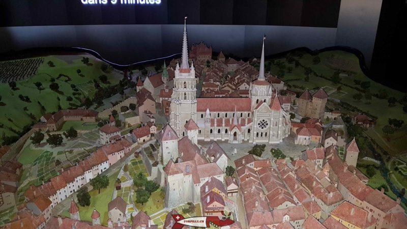 la magnifique maquette contenant la cathedrale de Lausanne exposée au musée historique de Lausanne.