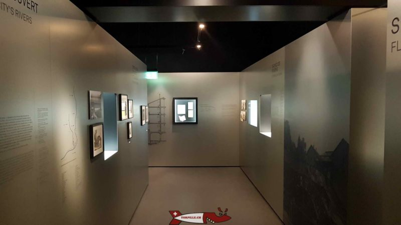 Un couloir présentant l'histoire de la ville de Lausanne au musée historique de lausanne