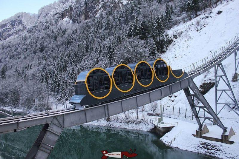 Le funiculaire de Stoos - Funiculaires de Suisse Romande