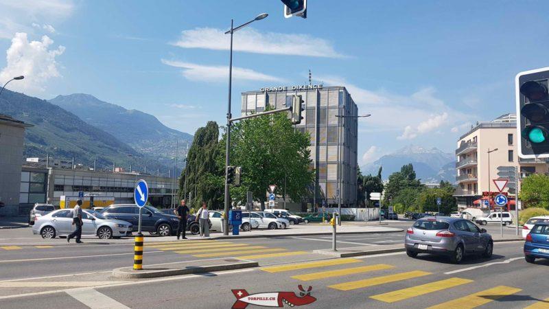 Le siège de la société Grande Dixence SA à côté de la gare de Sion. L'actionnaire principal de l'entreprise est EOS. - barrage de la grande dixence