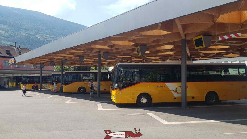 Cars postaux en gare CFF de Sion - Gorges de la Borgne