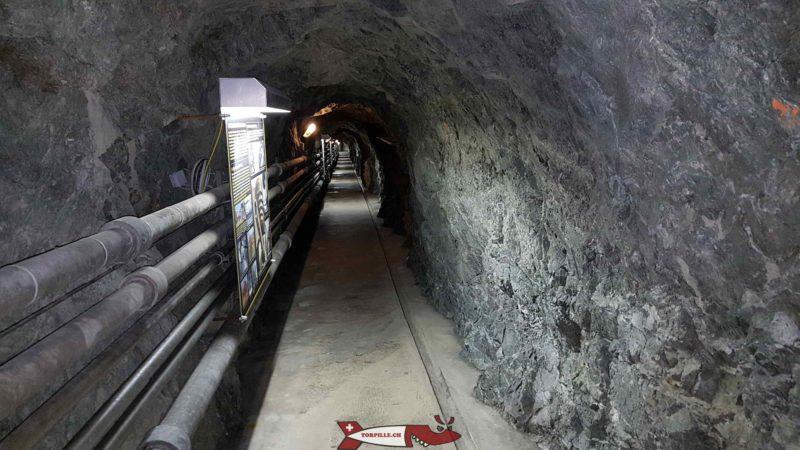 Le long couloir dans le fort d'evionnaz