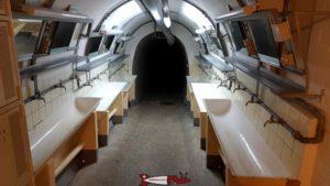 les lavabos dans le couloir du fort de champex-lac