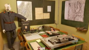 The firing calculation station with maps of the guns' range at the champex-lac fort
