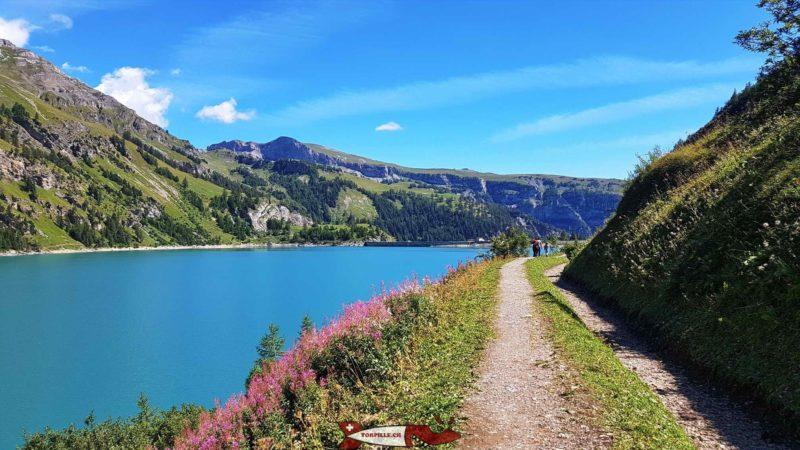 Le bisse de Sion le long du chemin autour du lac de Tseuzier - barrage de Tseuzier
