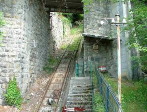 The rails of the Mont-Fleuri funicular have been abandoned since 1992.