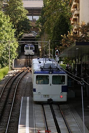 "The rack-and-pinion train that replaces the ""string"". It will in turn be replaced by the M2 metro in 2008."