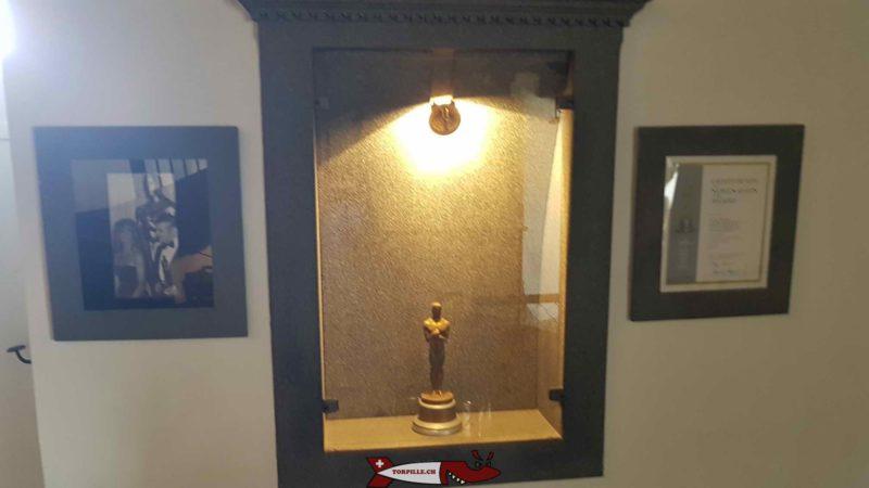 La statuette de l'Oscar des effets spéciaux 1980 au musée HR Giger