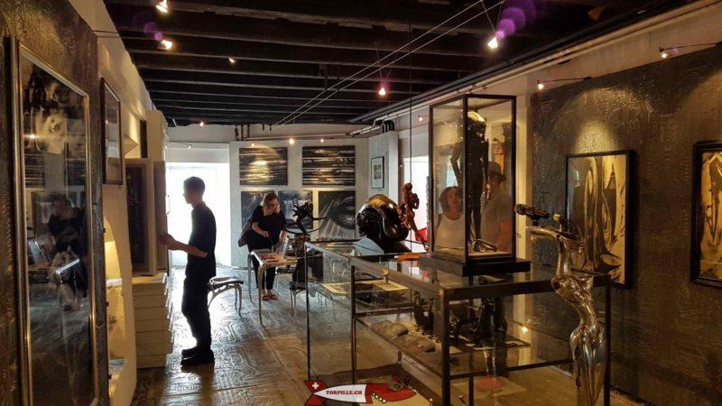 la boutique du musée HR Giger au rez