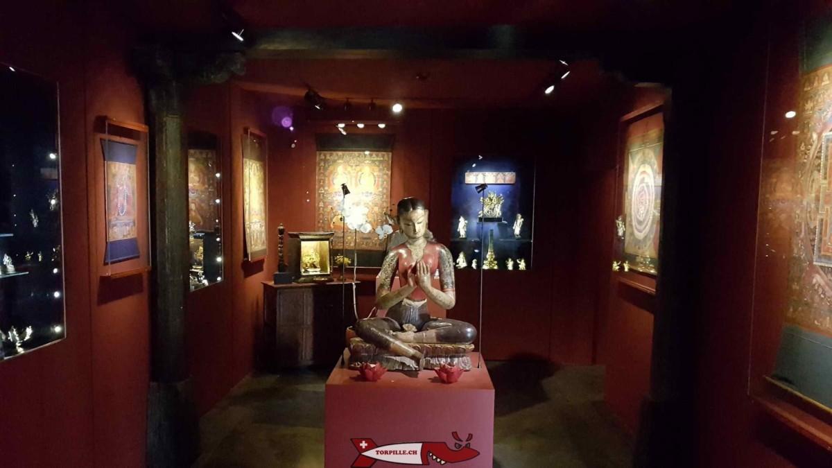Le Tibet Museum qui expose de nombreuses statues du bouddhisme.