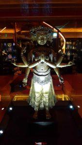 Une statue du musée Tibet Museum près du château de Gruyères