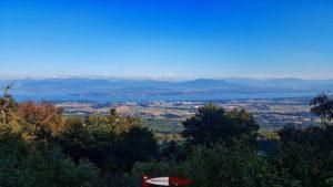 Point de vue sur les alpes depuis un virage de la route de Saint-Cergue en allant à l'espace loisirs Basseruche